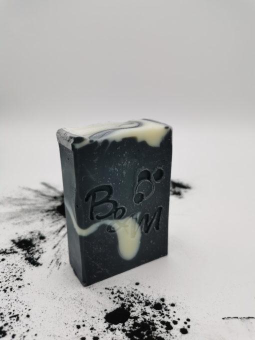 savon-biologique-charbon-detox-bulle-et-maille